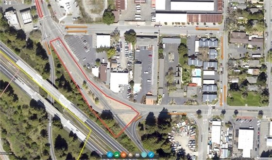 Image of portion of Healdsburg Ave. that will be paved by Cal Trans