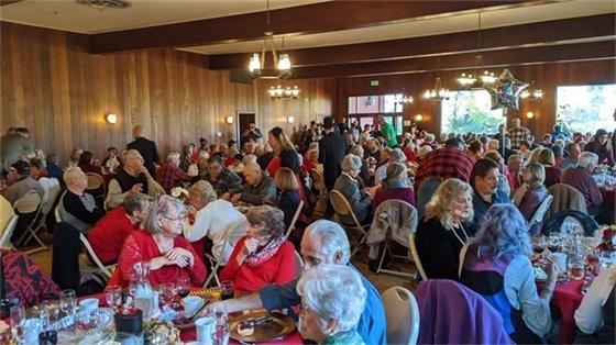 Seniors eating dinner at Senior Appreciation Dinner